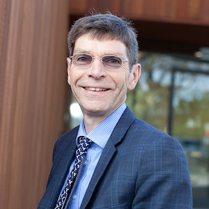 Dr Allan Simpson